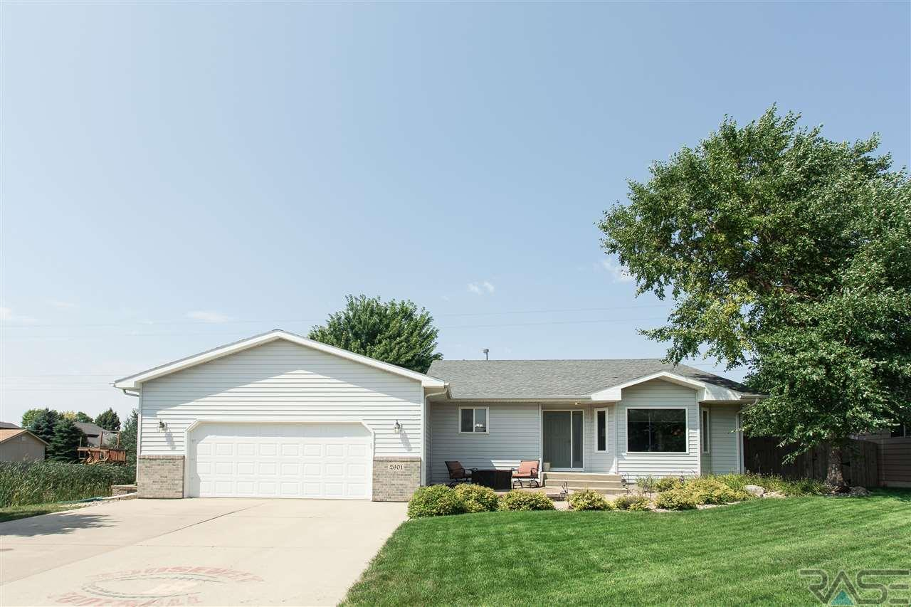 2601 S Theodore Ave, Sioux Falls, SD 57106