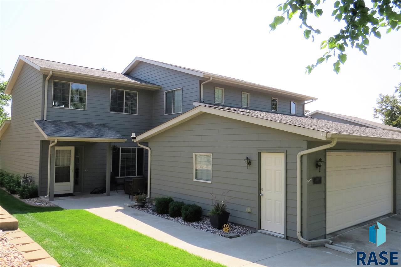 2307 E Beacon Pl, Sioux Falls, SD 57103