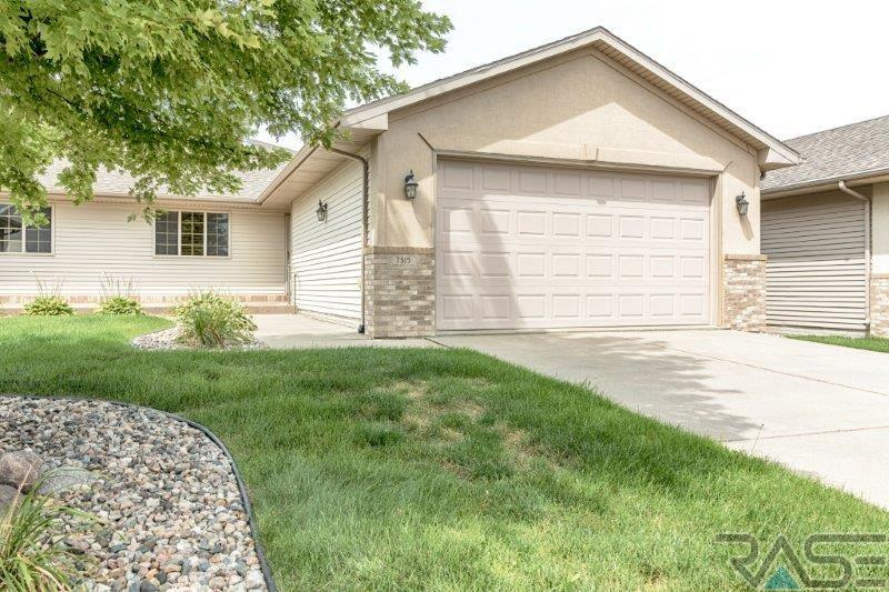 7515 S Peregrine Pl, Sioux Falls, SD 57108