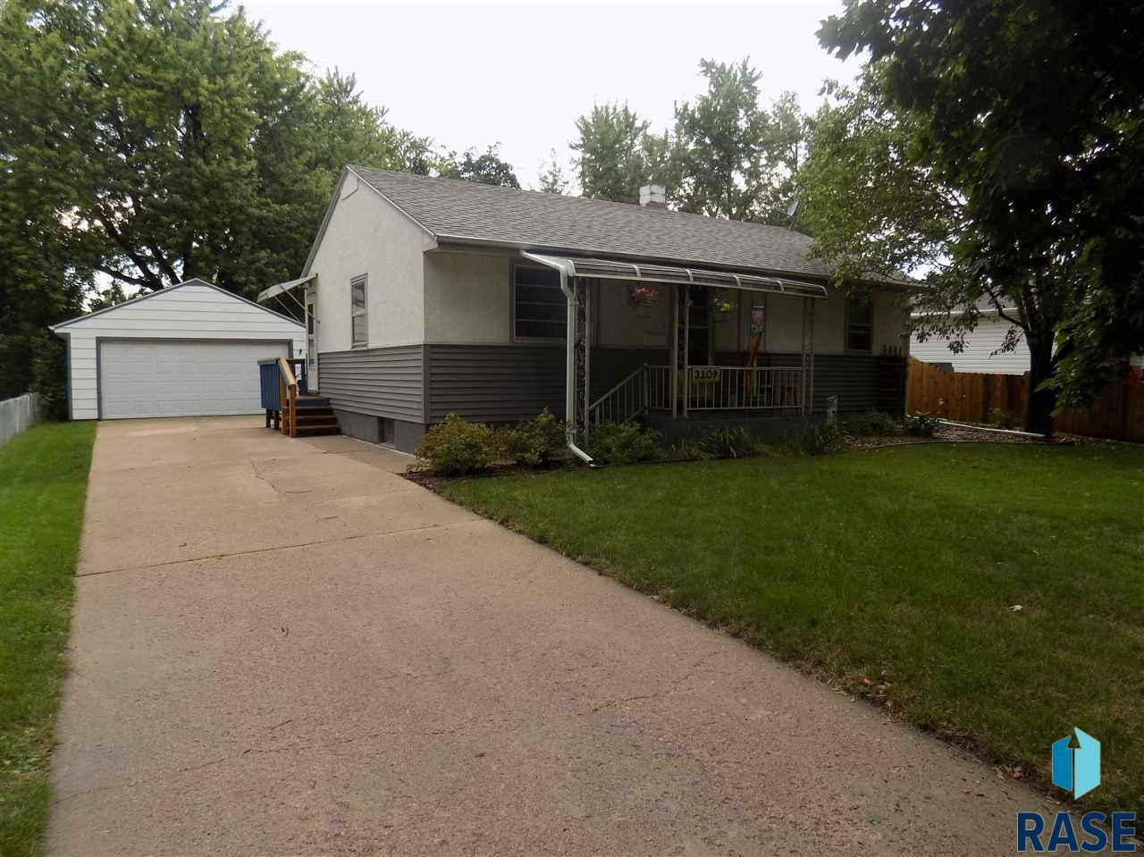 3109 S Prairie Ave, Sioux Falls, SD 57105