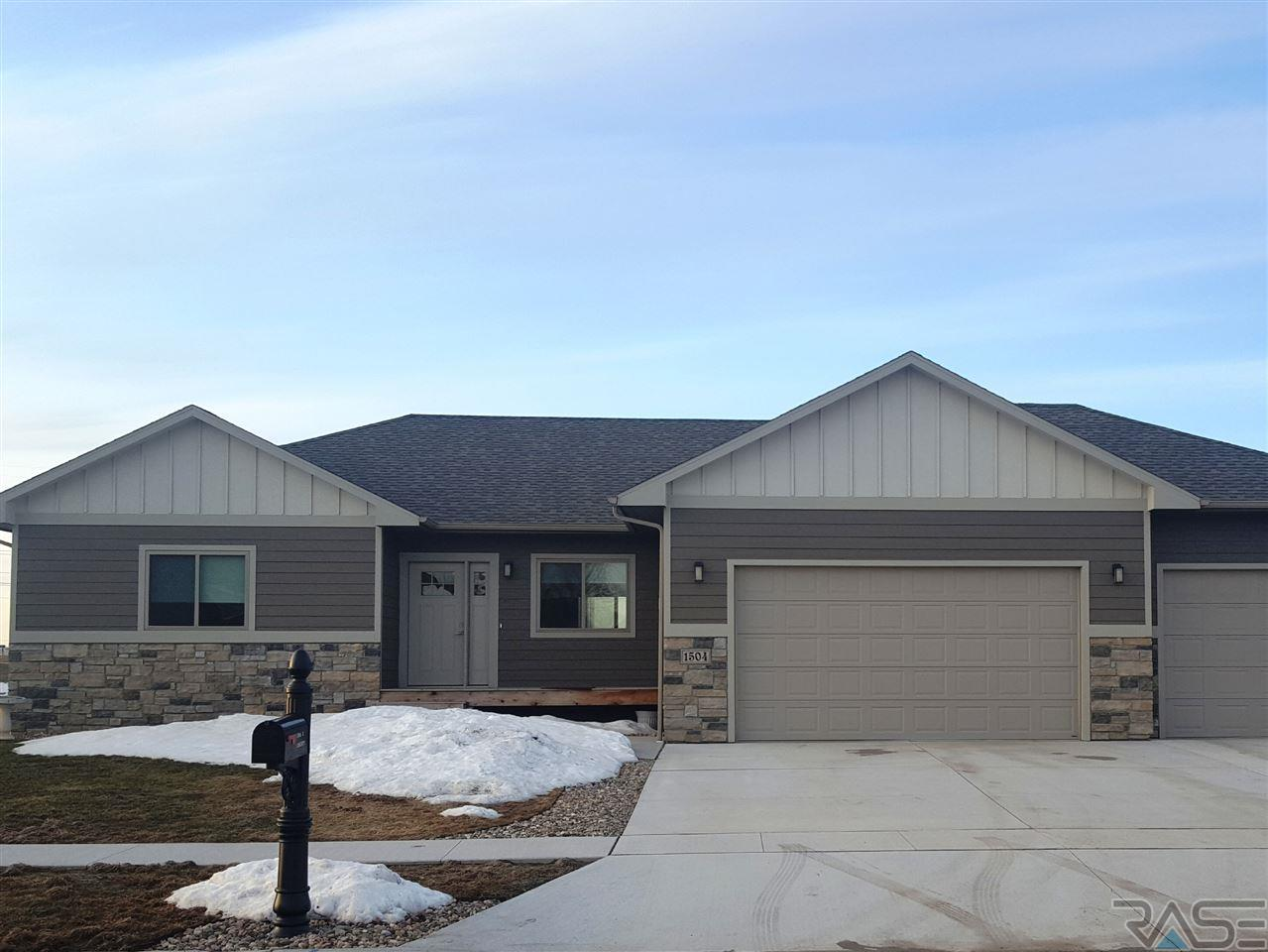 sd sioux real falls cir winterberry garage lady w the estate doors property