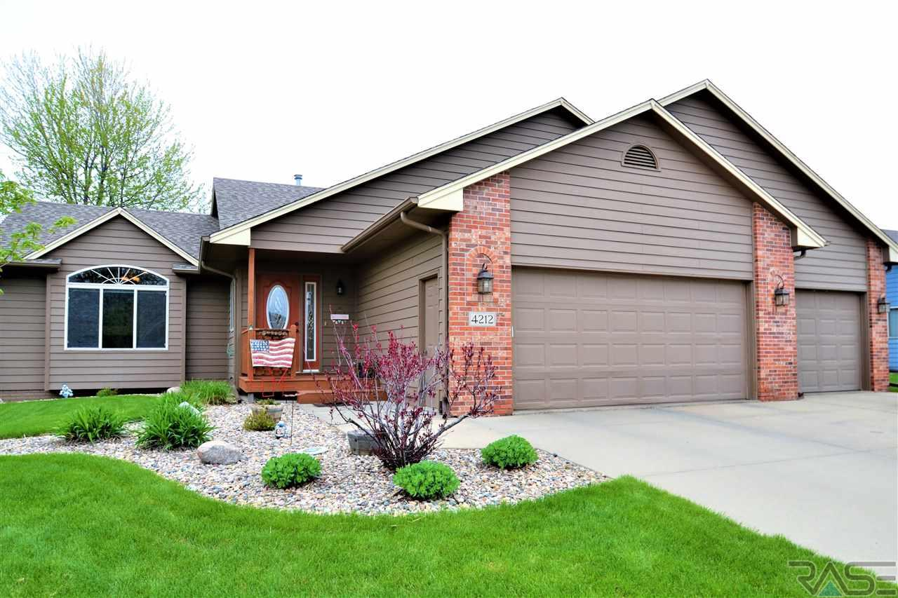 Instantly fall in love with this homes curb appeal and beautiful  landscaping! Eastside Walkout Multi-Level home. 5 bedrooms (3 on same level) 05ad3f668605e