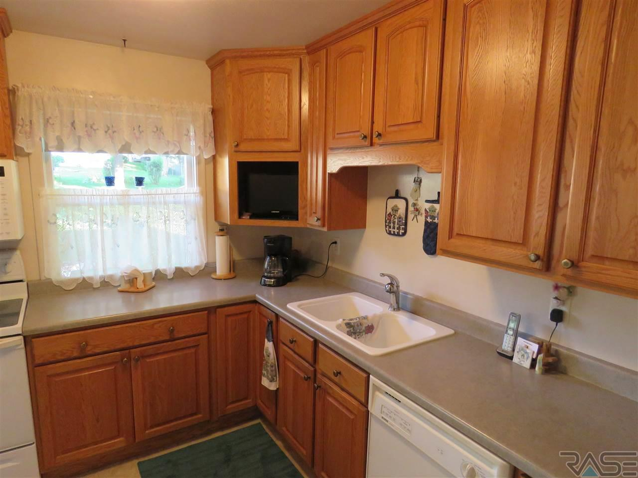 The Experience Real Estate - 1428 S Olive Dr Sioux Falls SD, 57103 ...