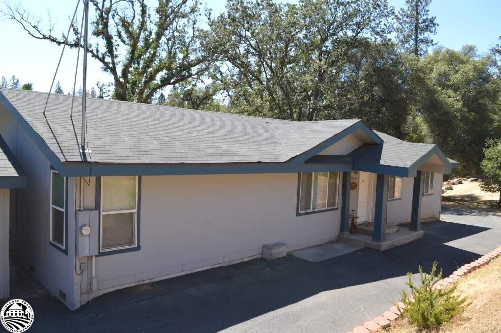 19707 Ferretti Road, Groveland, CA 95321