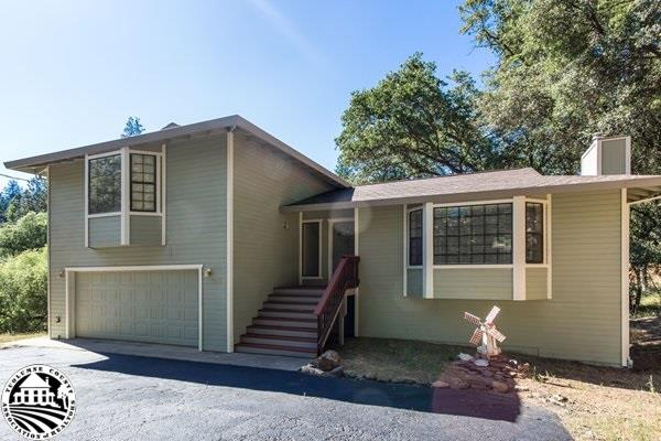 19955 Pleasant View Drive, Groveland, CA 95321