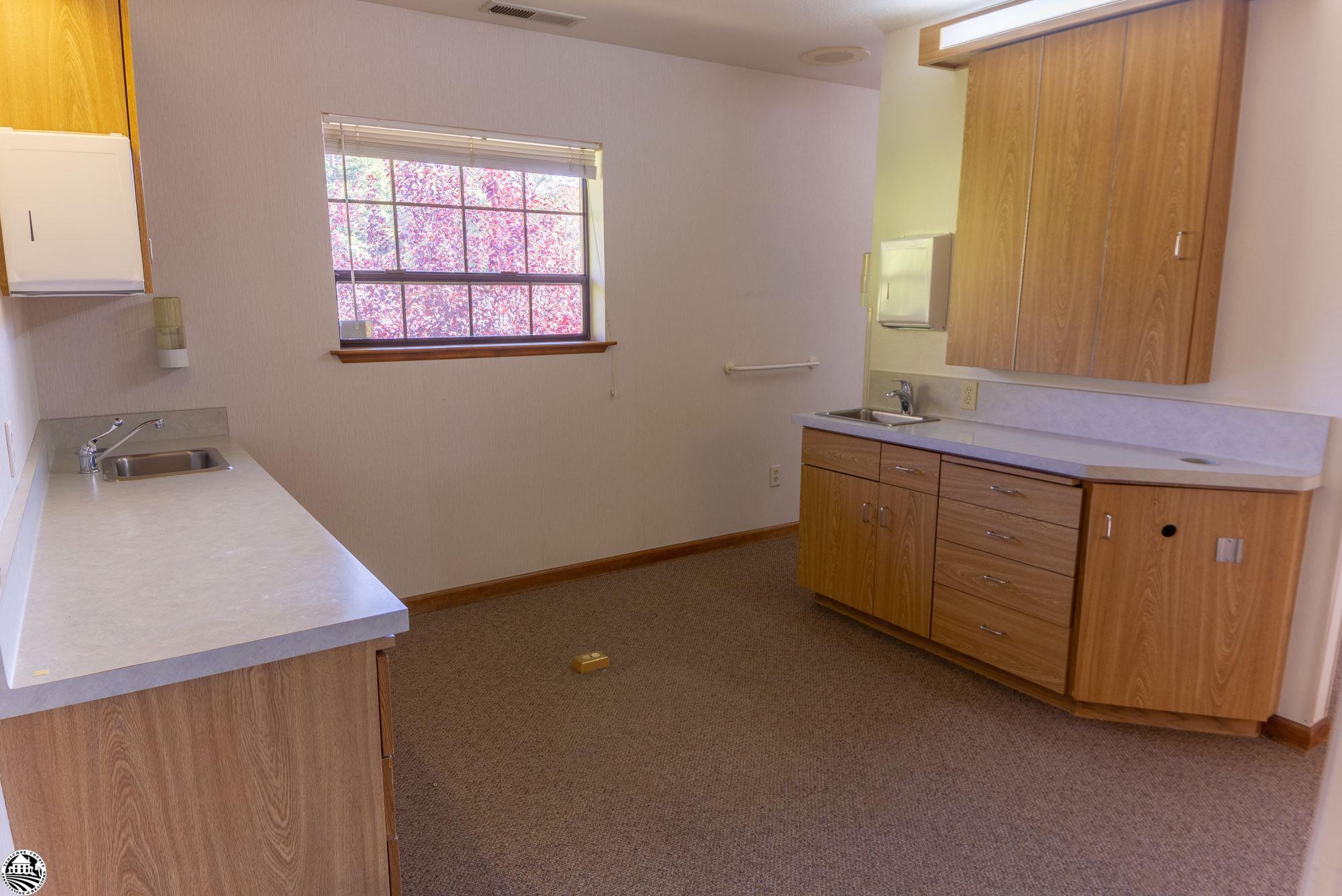 Property Photo 08