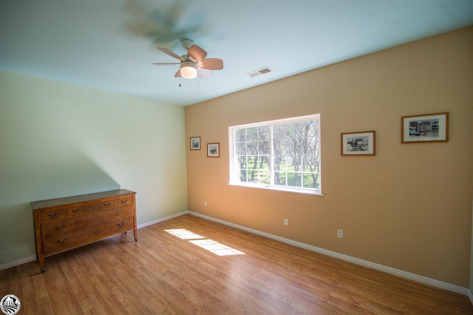 Property Photo 19