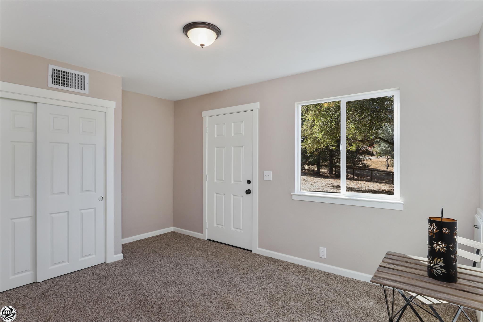 Property Photo 32