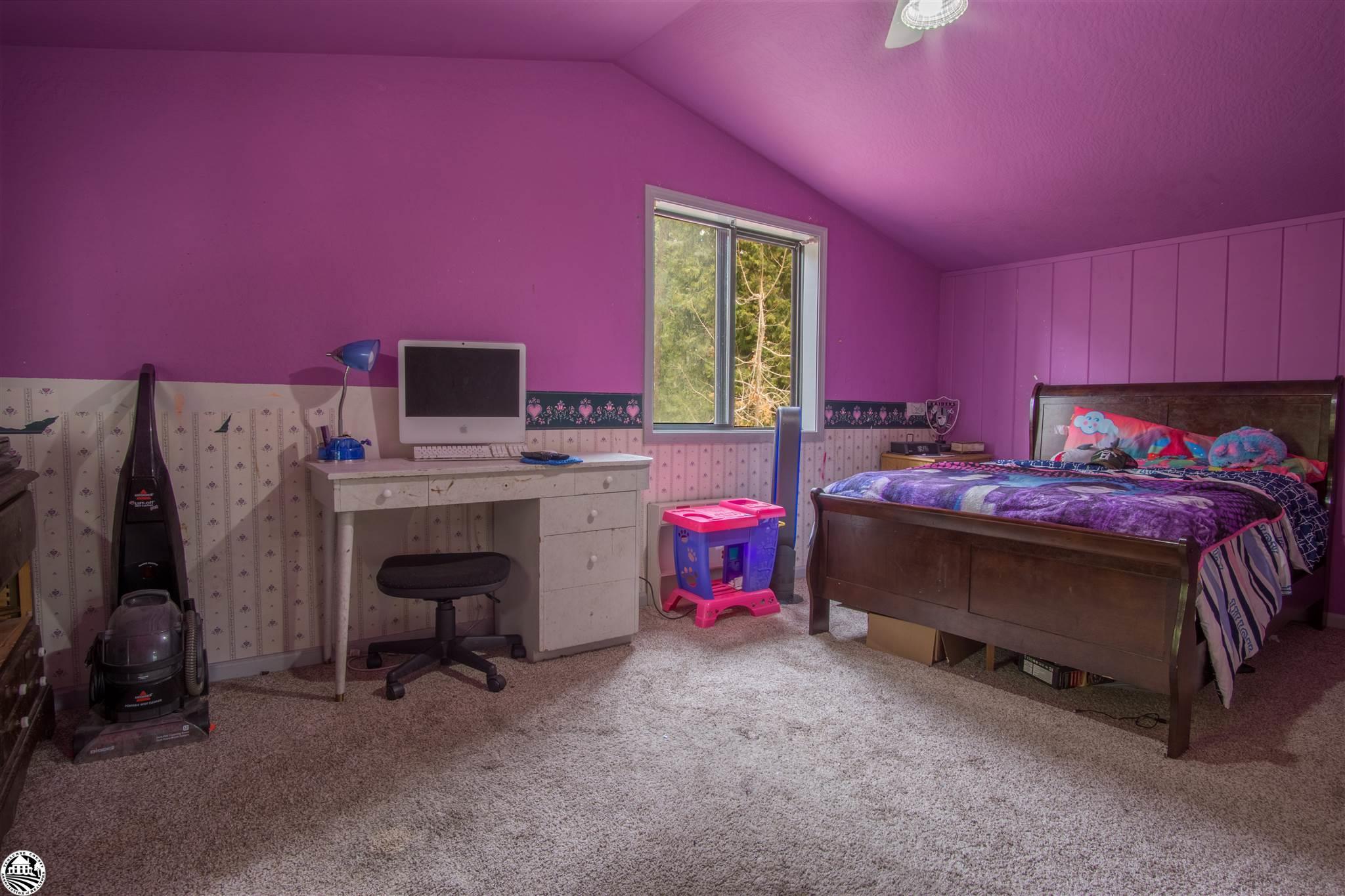 Property Photo 09