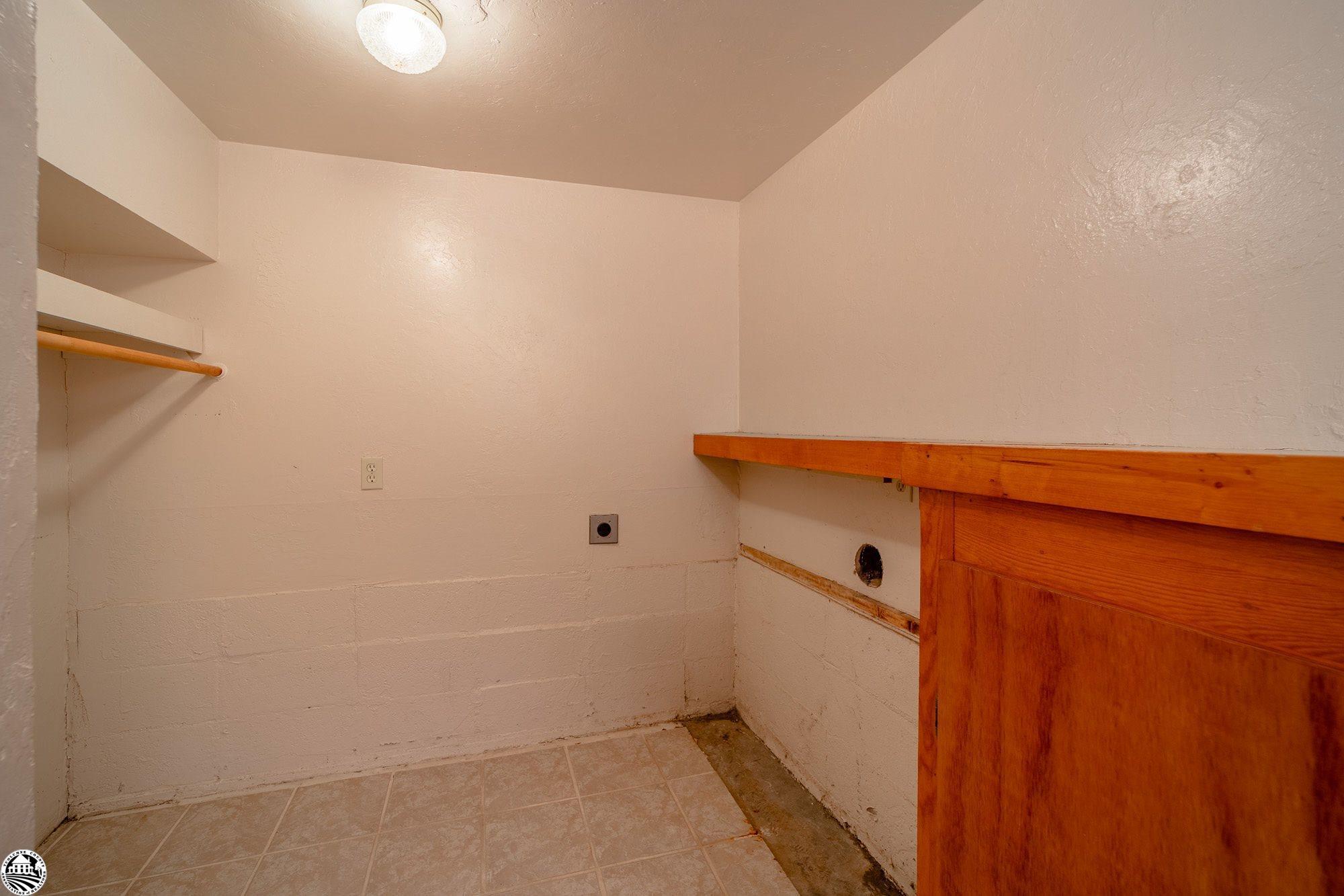 Property Photo 28