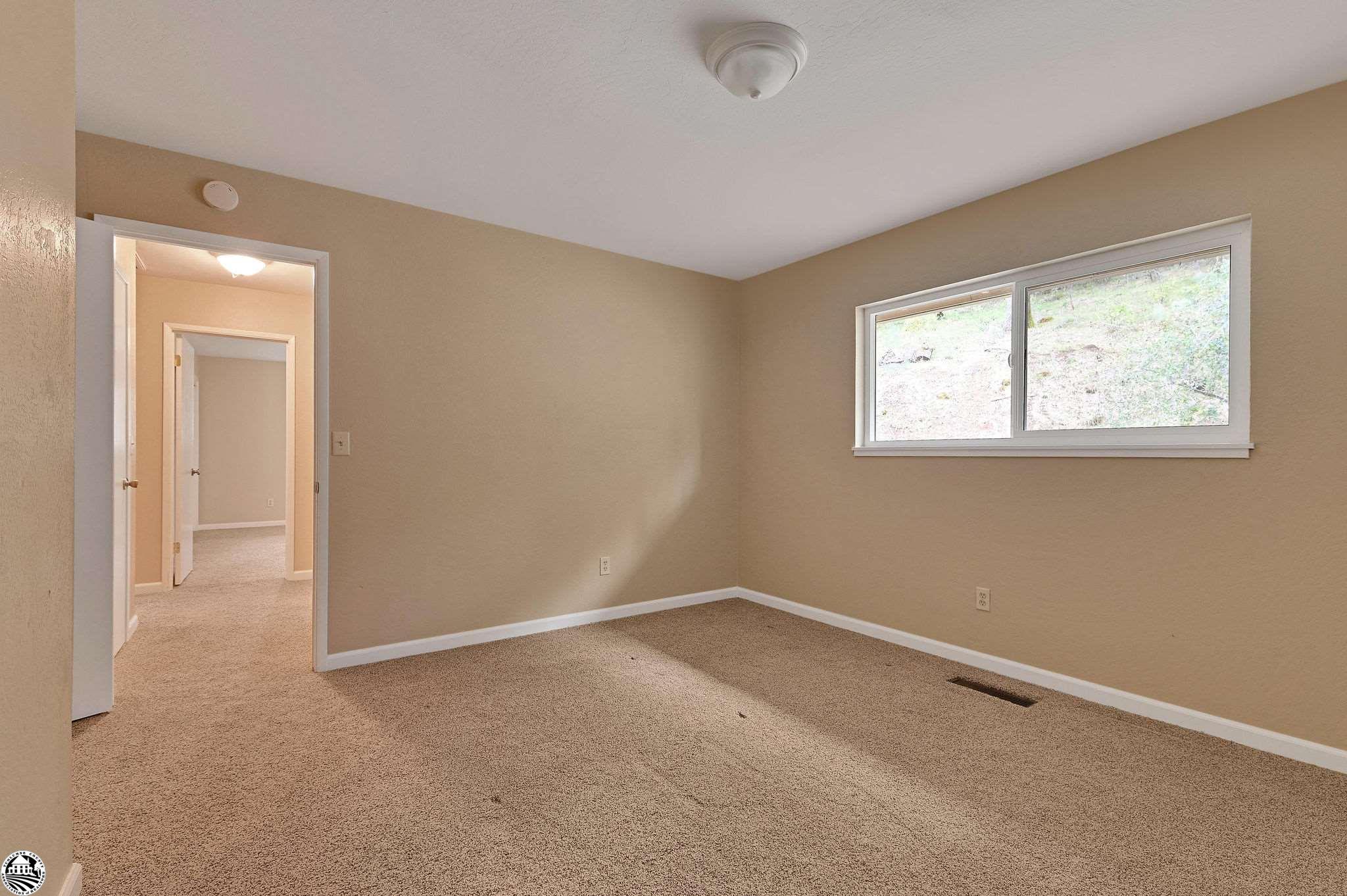 Property Photo 34