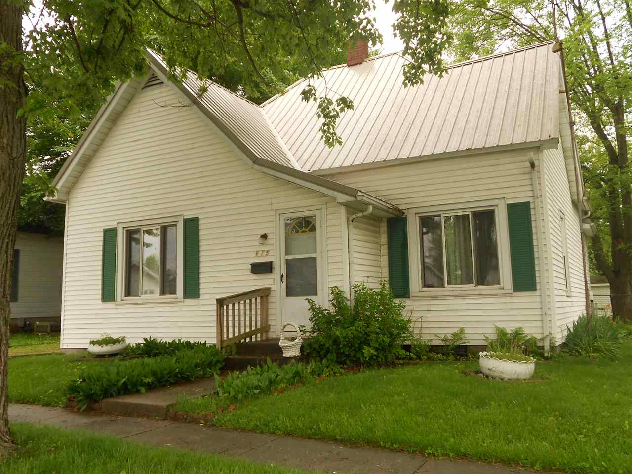 615 E Main St, JASONVILLE, 47438, IN