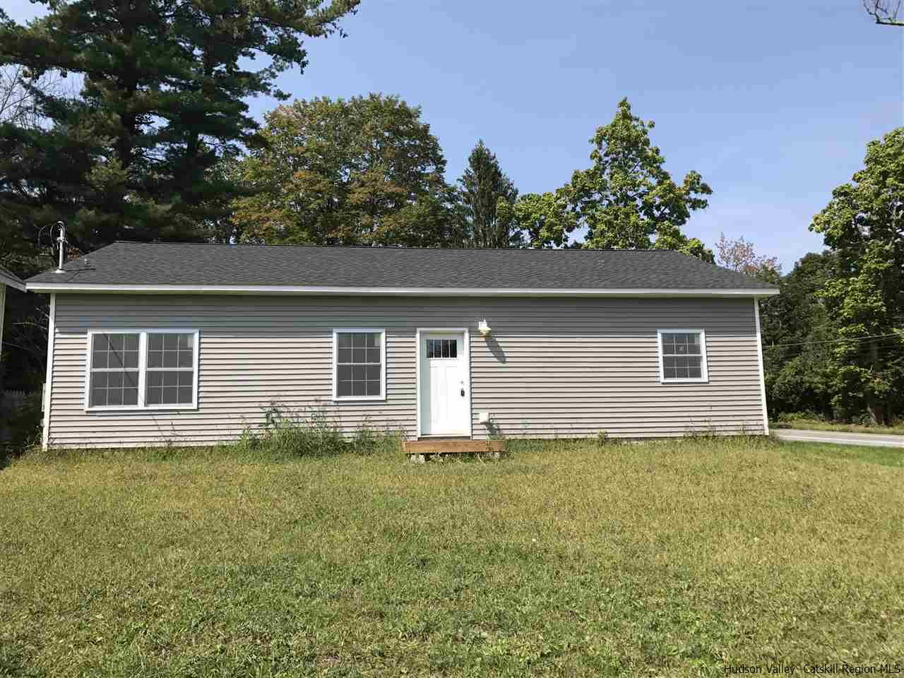Single Family Home for Sale at 2 Robins Circle 2 Robins Circle Bullville, New York 10915 United States