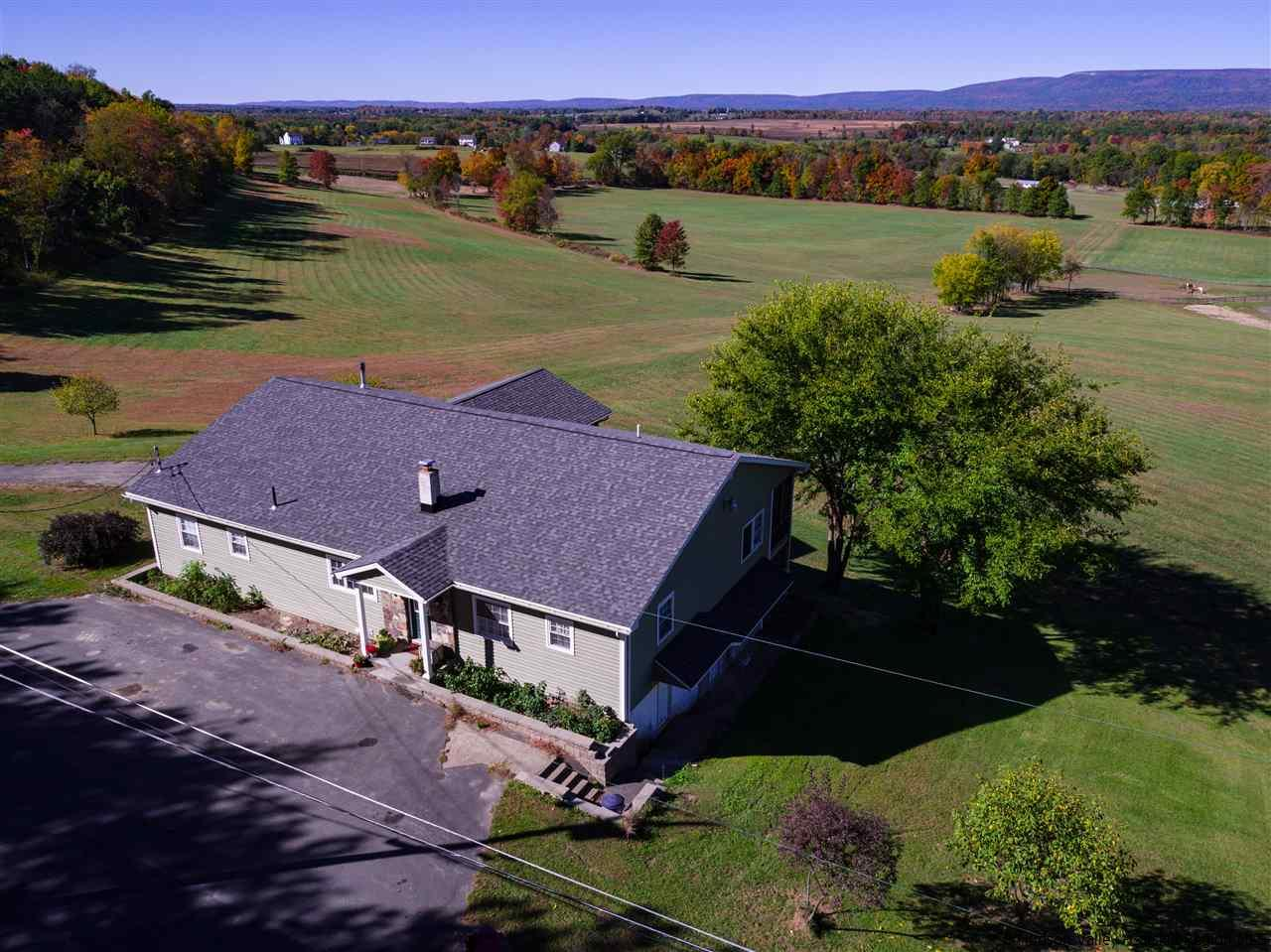 Single Family Home for Sale at 814 Sand Hill Road 814 Sand Hill Road Gardiner, New York 12525 United States