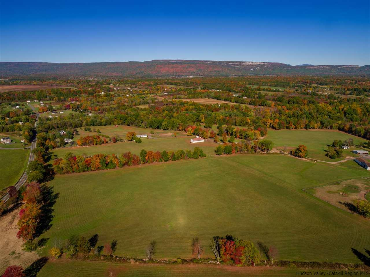Additional photo for property listing at 814 Sand Hill Road 814 Sand Hill Road Gardiner, New York 12525 United States