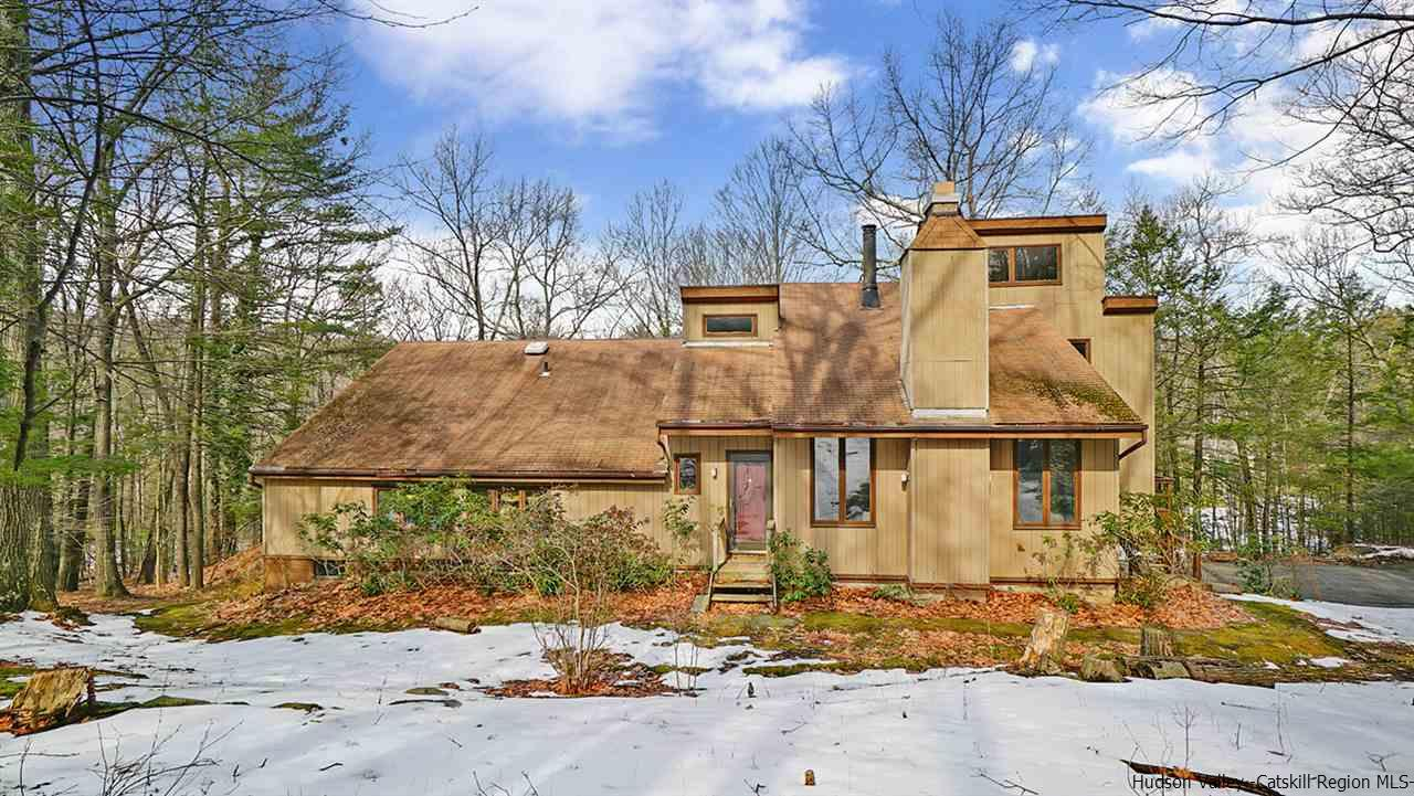 Single Family Home for Sale at 25 Bluestone Park Road 25 Bluestone Park Road Saugerties, New York 12477 United States