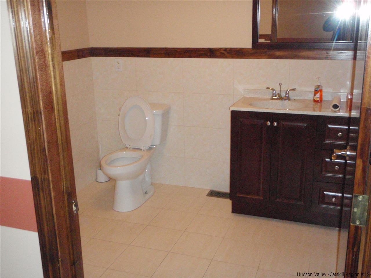 Additional photo for property listing at 441 BROADWAY/9W 441 BROADWAY/9W Port Ewen, New York 12466 United States