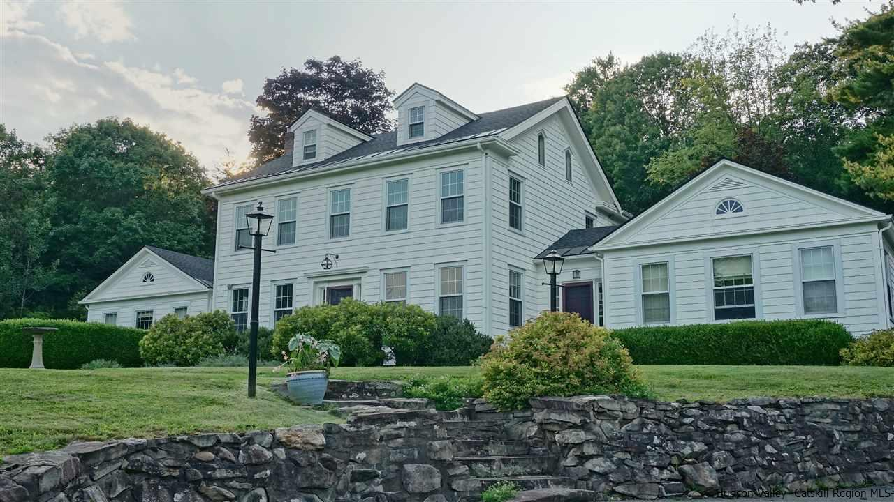 Single Family Home for Sale at 734 Old Post Road 734 Old Post Road New Paltz, New York 12561 United States