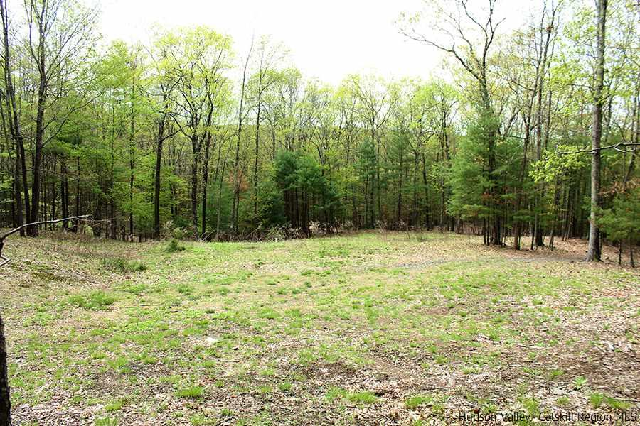 Single Family Home for Sale at 76 Morse Road 76 Morse Road Saugerties, New York 12477 United States