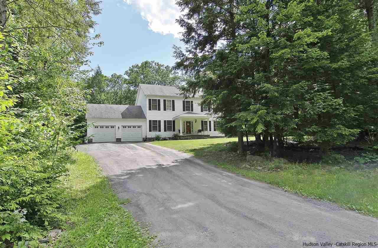 31 Woodland Falls Road, Saugerties, NY 12477