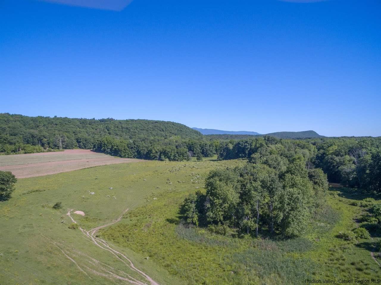Additional photo for property listing at 40 SHEEHAN LANE 40 SHEEHAN LANE Lake Katrine, New York 12449 United States