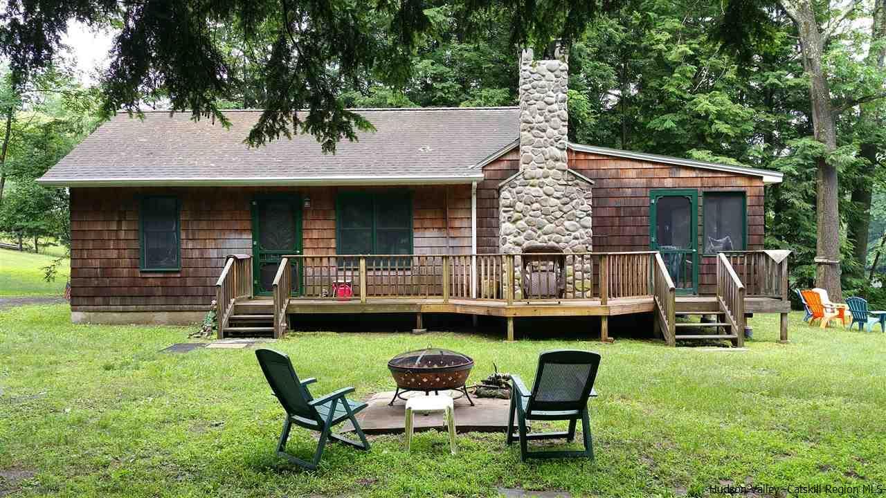 Single Family Home for Sale at 146 Glenerie Blvd. 146 Glenerie Blvd. Saugerties, New York 12477 United States