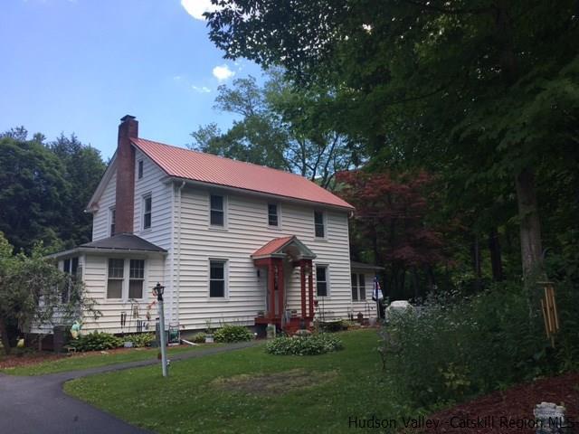 39 Old Mountain Road, Spring Glen, NY 12483