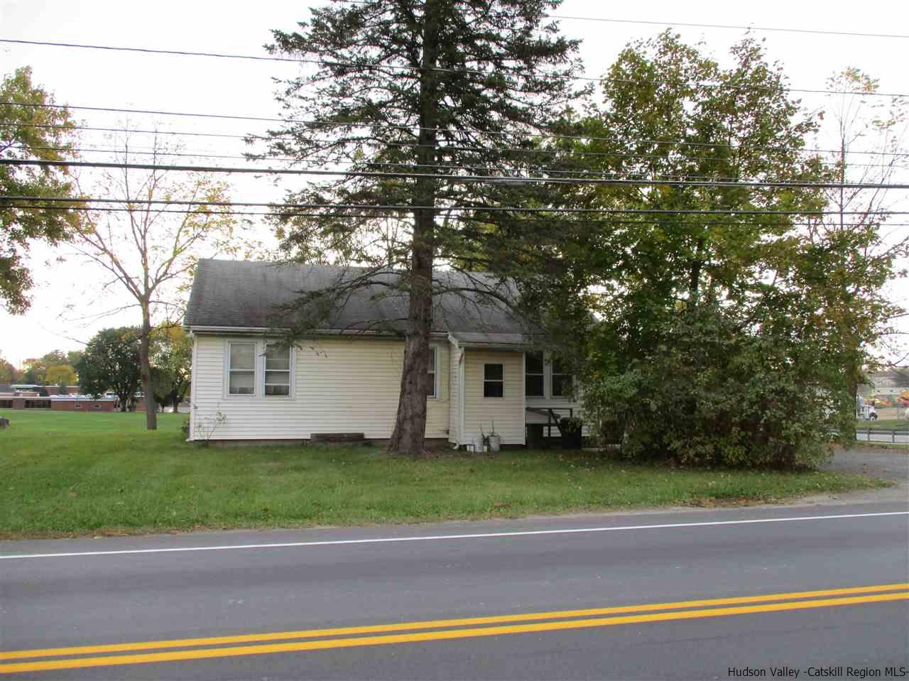 83 state route 302, PINEBUSH, NY 12566