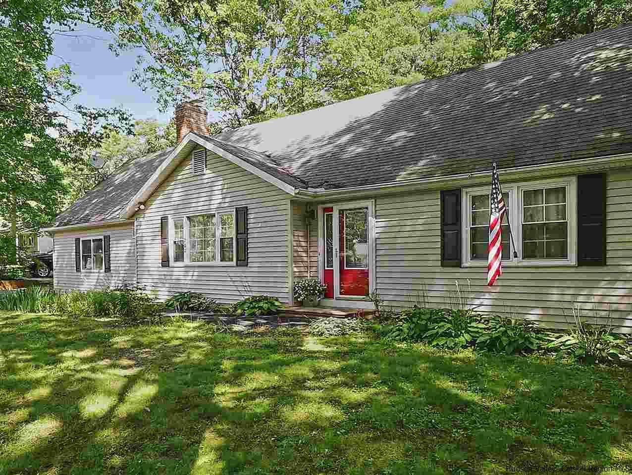 Single Family Home for Sale at 200 Harry Wells Road 200 Harry Wells Road Saugerties, New York 12477 United States