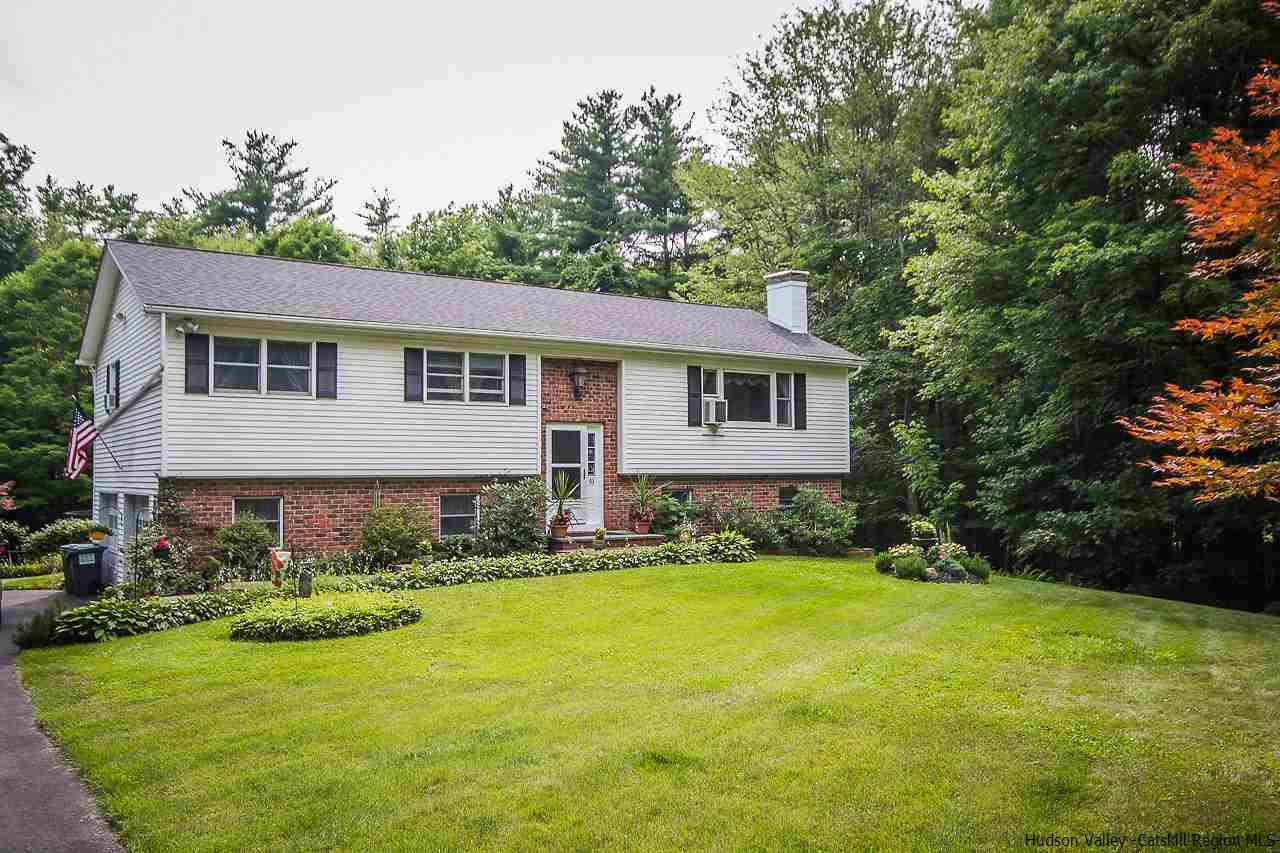 Single Family Home for Sale at 93 Brink Drive 93 Brink Drive Saugerties, New York 12477 United States