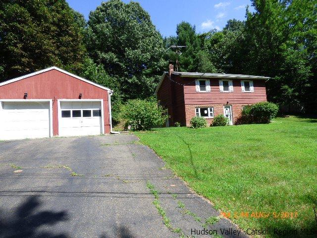14 Mountain Ave, Elizaville, NY 12523
