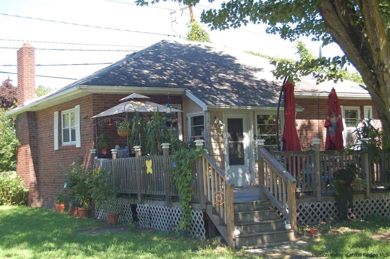 Single Family Home for Sale at 3086 Route 9W 3086 Route 9W Saugerties, New York 12477 United States