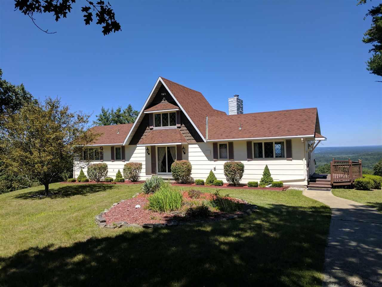Single Family Home for Sale at 552 Popeltown Road 552 Popeltown Road Ulster Park, New York 12429 United States