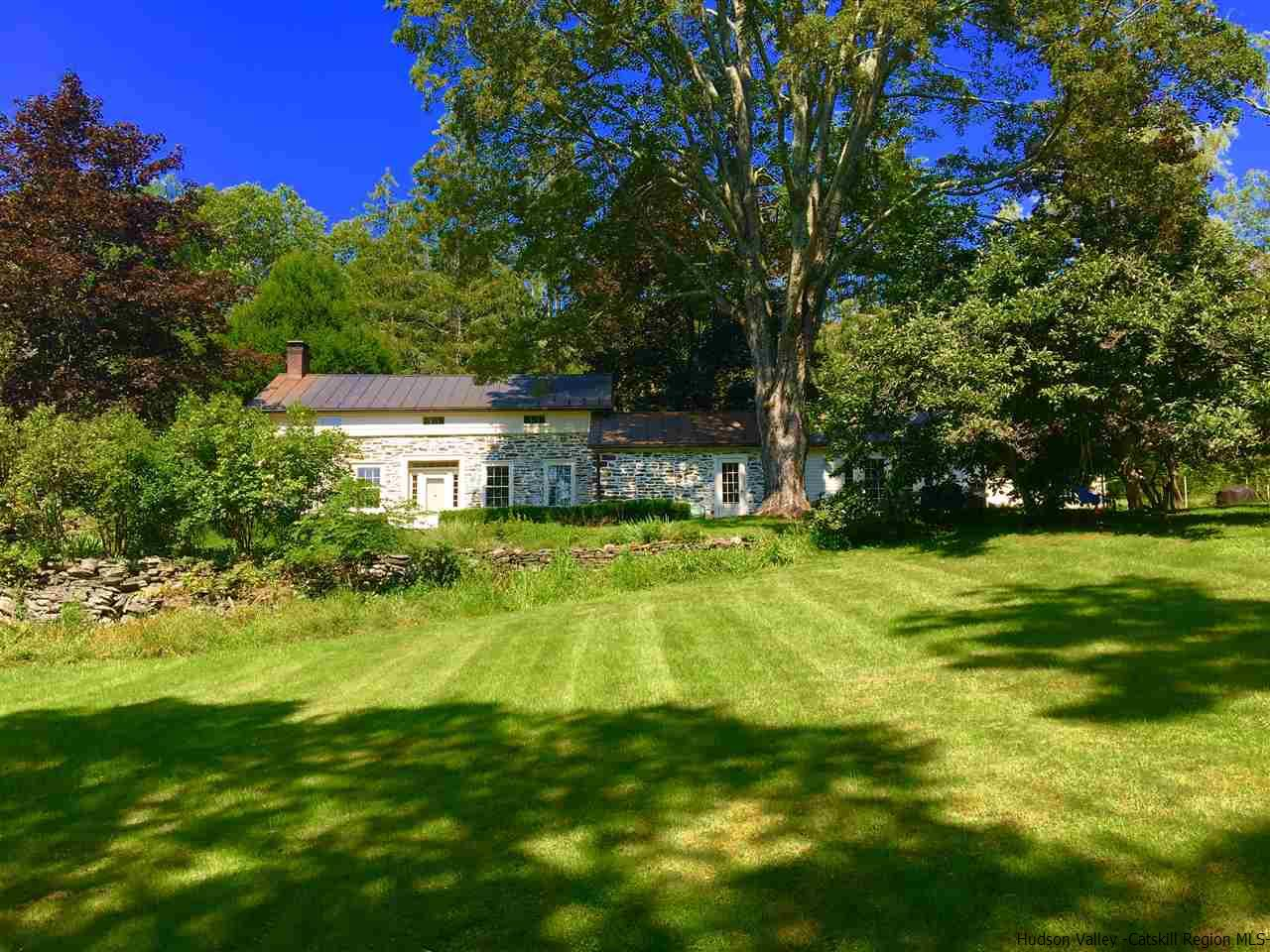 Single Family Home for Sale at 224-226 Buck Road 224-226 Buck Road Stone Ridge, New York 12484 United States