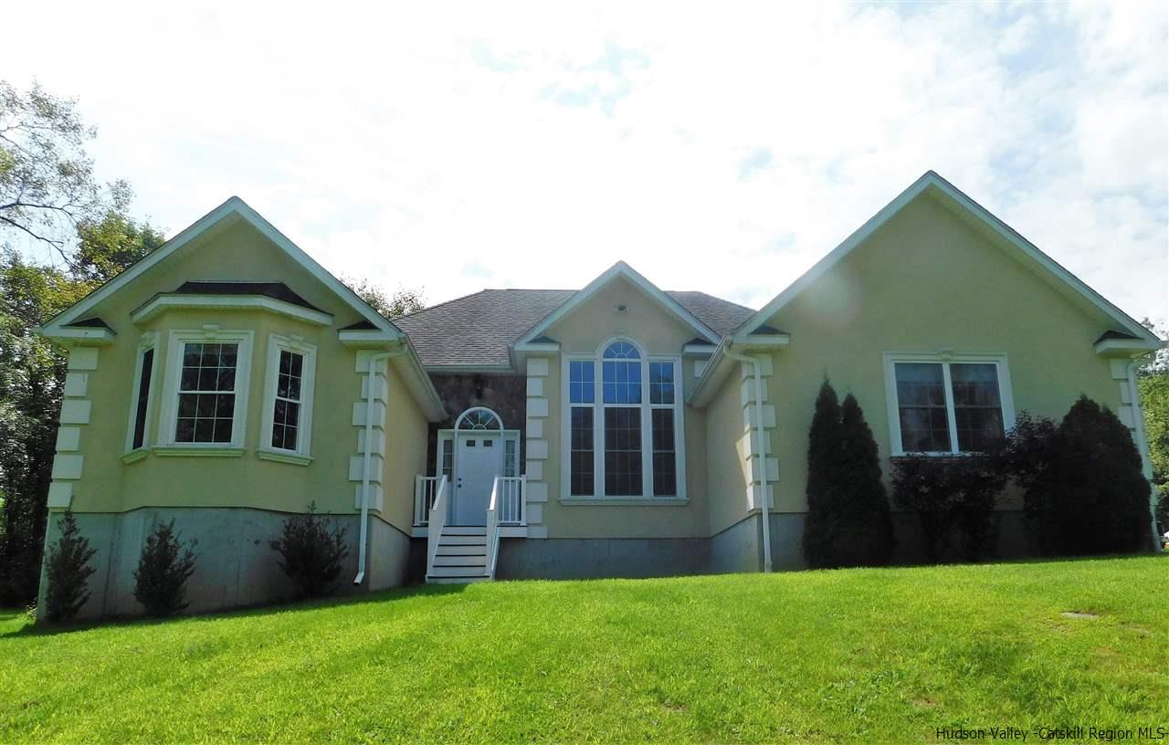 Single Family Home for Sale at 3 Jake Henry Drive 3 Jake Henry Drive Marlboro, New York 12542 United States