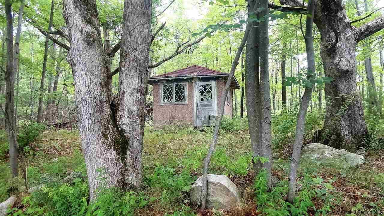 Single Family Home for Sale at Old Inn Road Old Inn Road Cragsmoor, New York 12420 United States