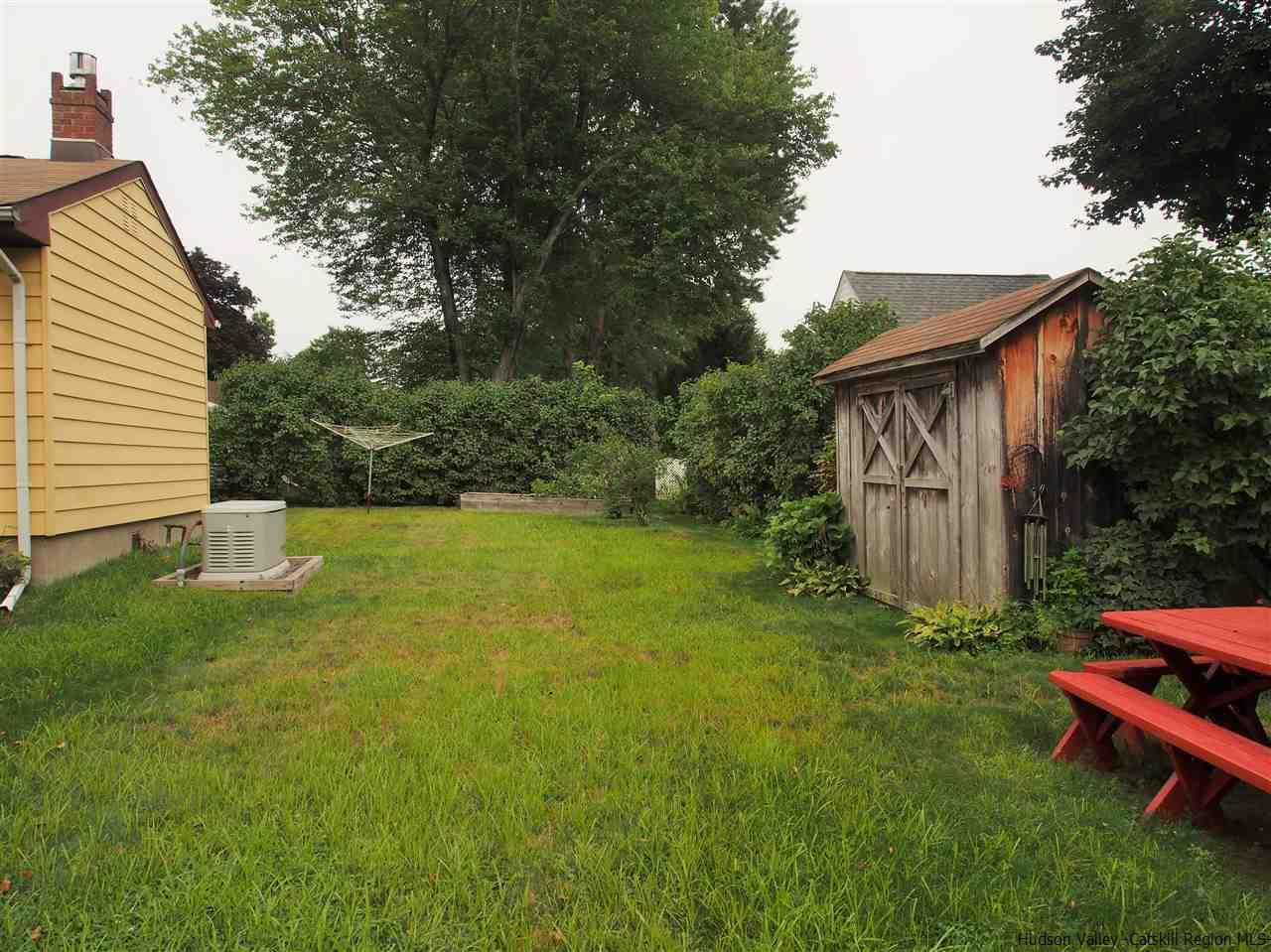 Additional photo for property listing at 103 John Street 103 John Street Saugerties, New York 12477 United States