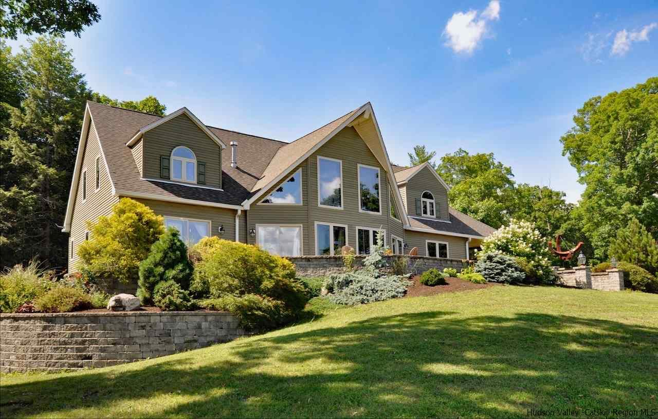 Single Family Home for Sale at 165 Gallis Hill Road 165 Gallis Hill Road Kingston, New York 12401 United States