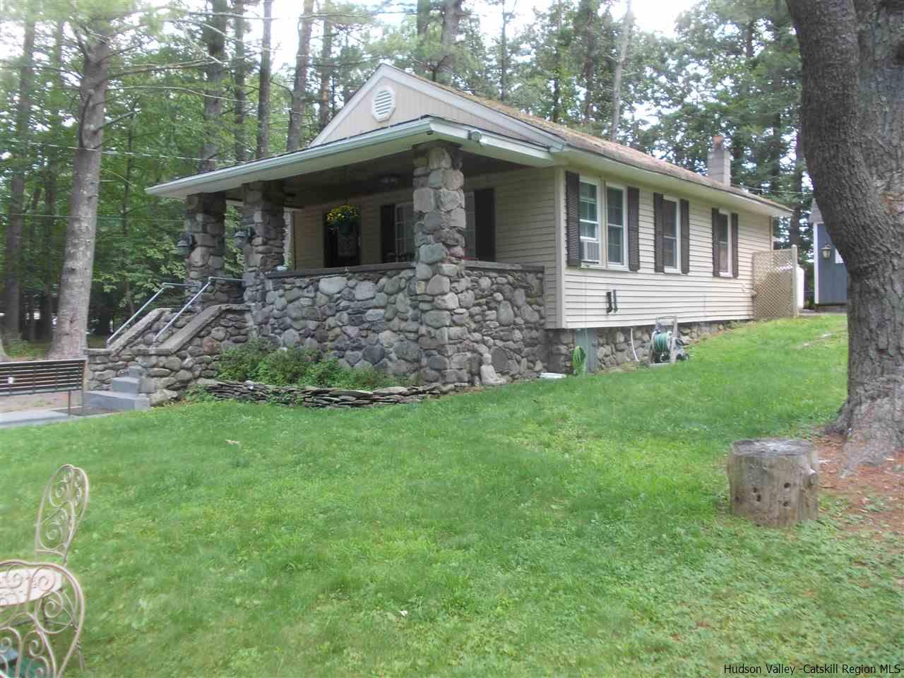 Single Family Home for Sale at 53 Pine Tree Lane 53 Pine Tree Lane Saugerties, New York 12477 United States
