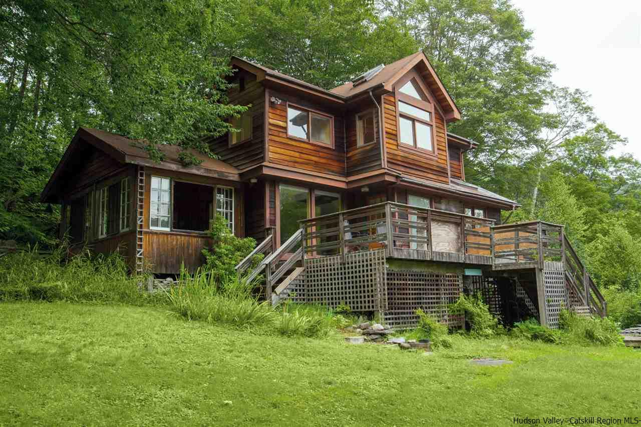 Single Family Home for Sale at 1244 Woodland Valley Road 1244 Woodland Valley Road Phoenicia, New York 12464 United States