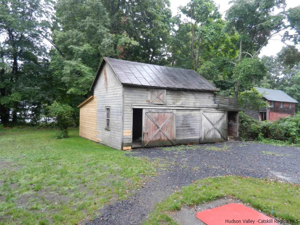 Additional photo for property listing at 792 Springtown Road 792 Springtown Road Tillson, New York 12486 United States