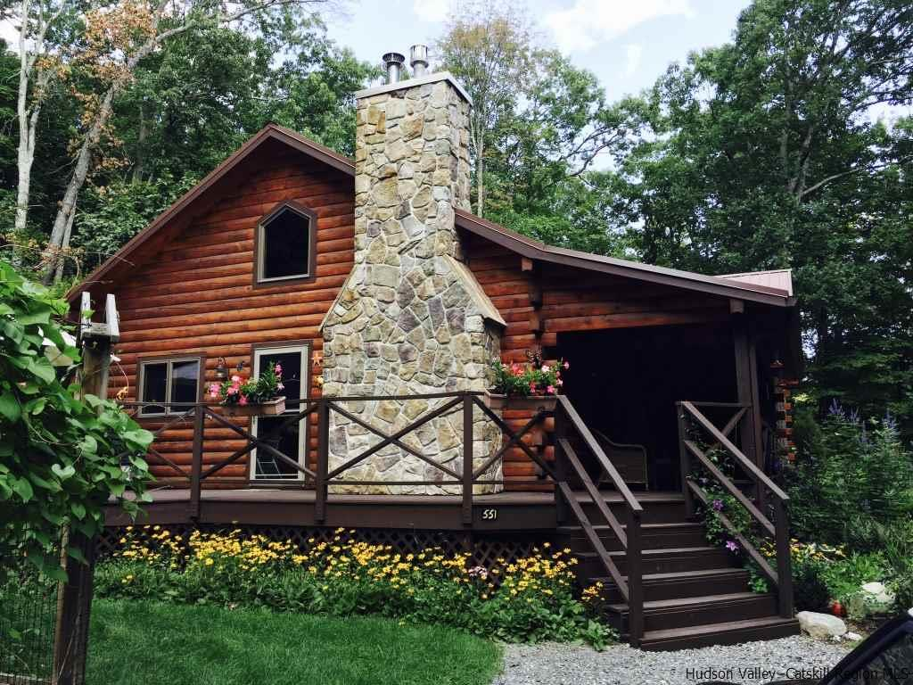 Single Family Home for Sale at 551 South Mountain Road 551 South Mountain Road Gardiner, New York 12525 United States
