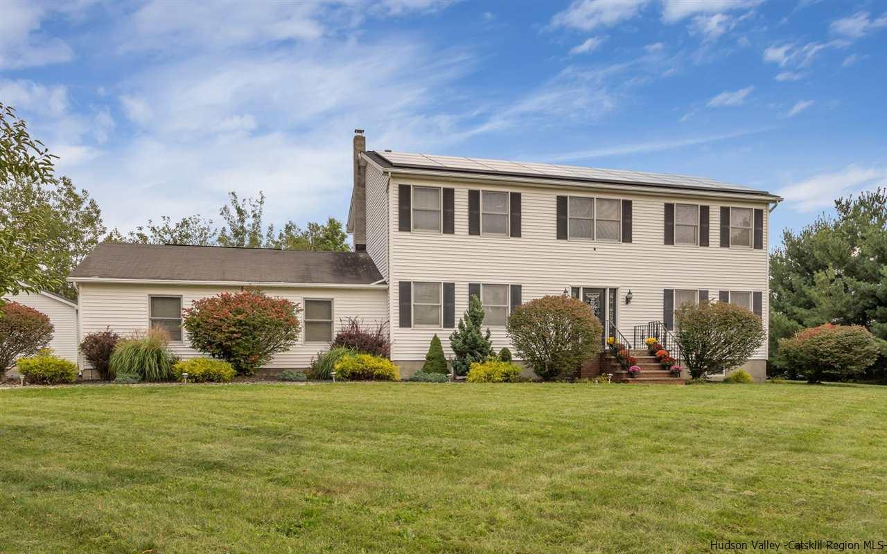 Single Family Home for Sale at 6 Billesimo 6 Billesimo Marlboro, New York 12542 United States