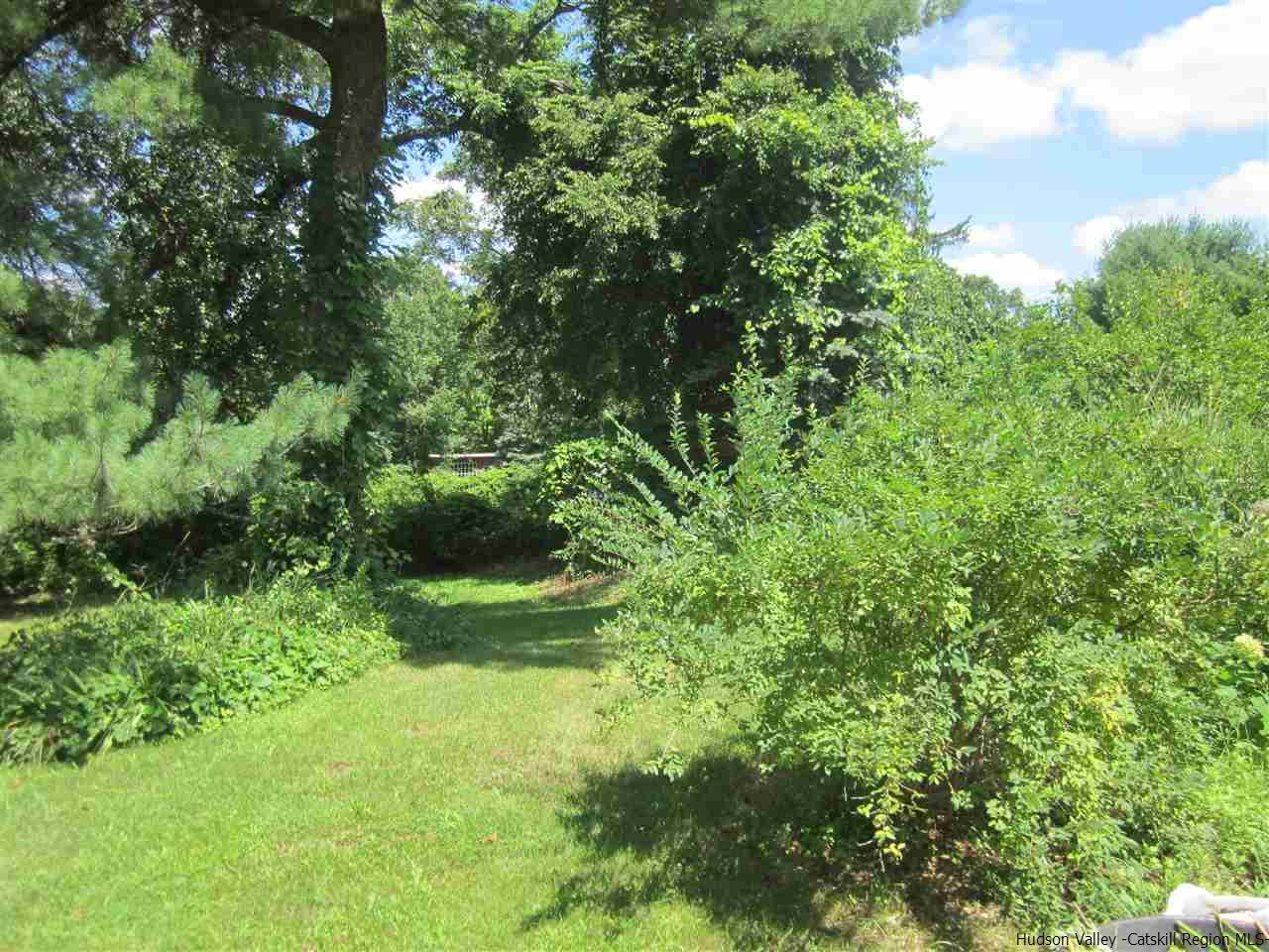 Additional photo for property listing at 4098 US HWY 209 4098 US HWY 209 Stone Ridge, New York 12484 United States