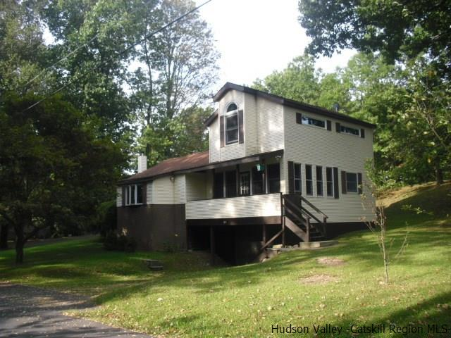 Single Family Home for Sale at 194A North Drive 194A North Drive Saugerties, New York 12477 United States