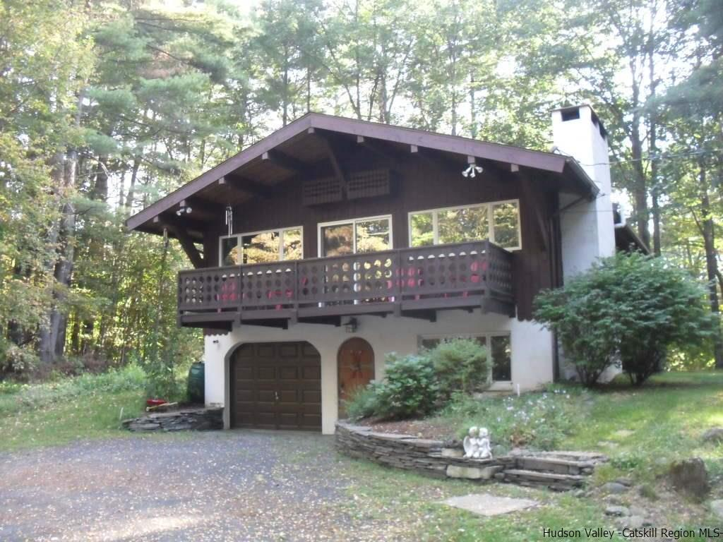 Single Family Home for Sale at 26 Riseley Road 26 Riseley Road Mount Tremper, New York 12457 United States