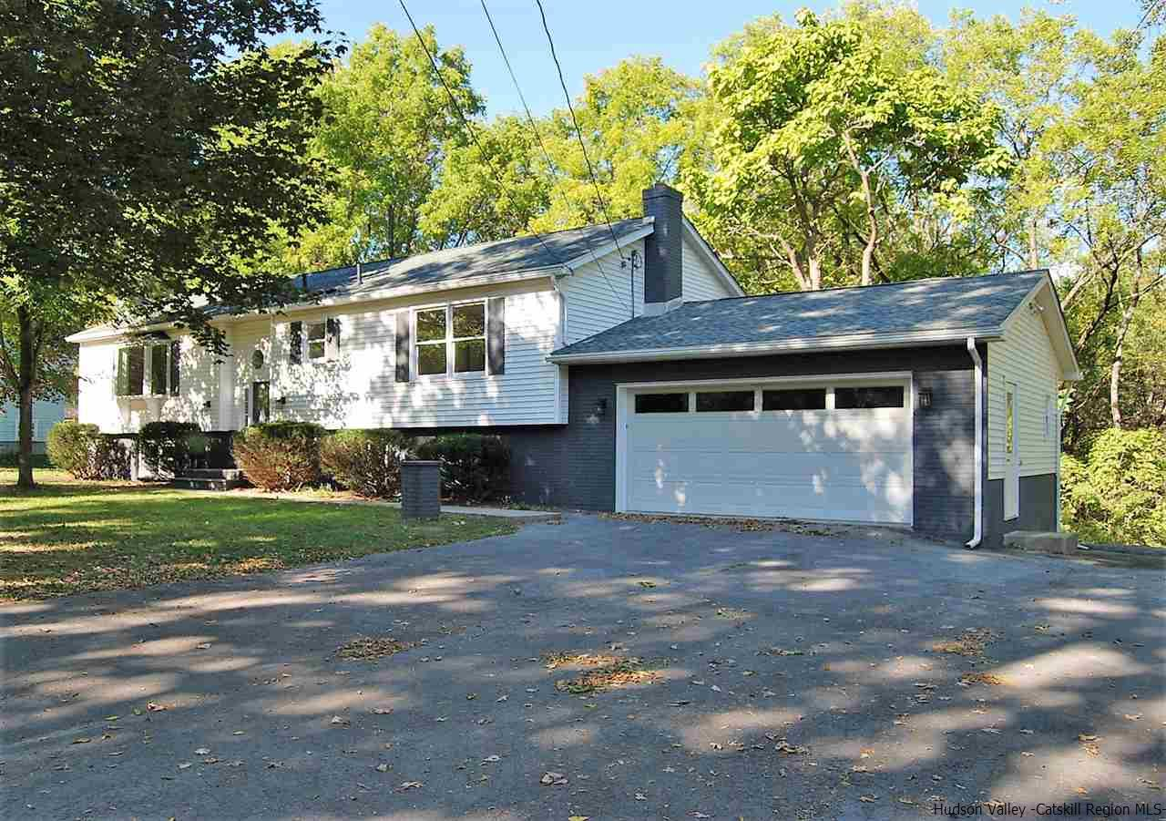 Single Family Home for Sale at 64 Mossy Brook Road 64 Mossy Brook Road High Falls, New York 12440 United States