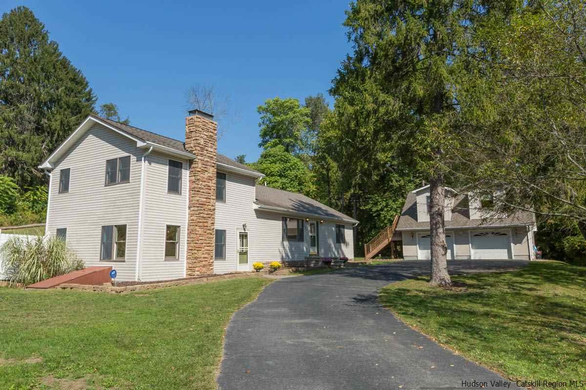 Single Family Home for Sale at 295 Creek Locks 295 Creek Locks Rosendale, New York 12472 United States