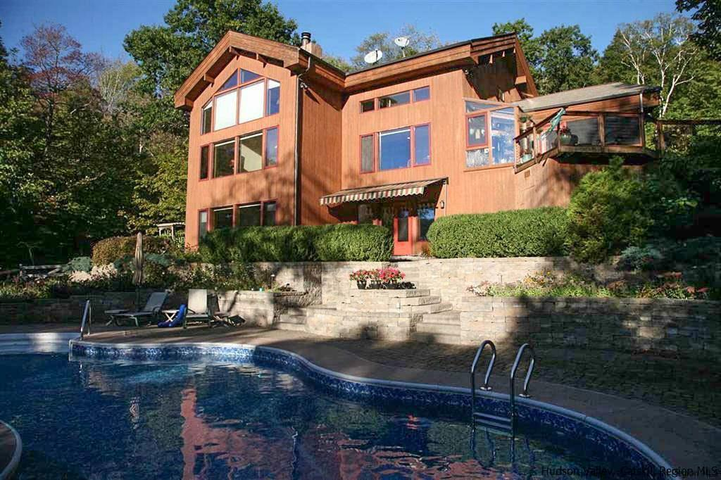 Single Family Home for Sale at 458 Hutchin Hill Road 458 Hutchin Hill Road Woodstock, New York 12498 United States