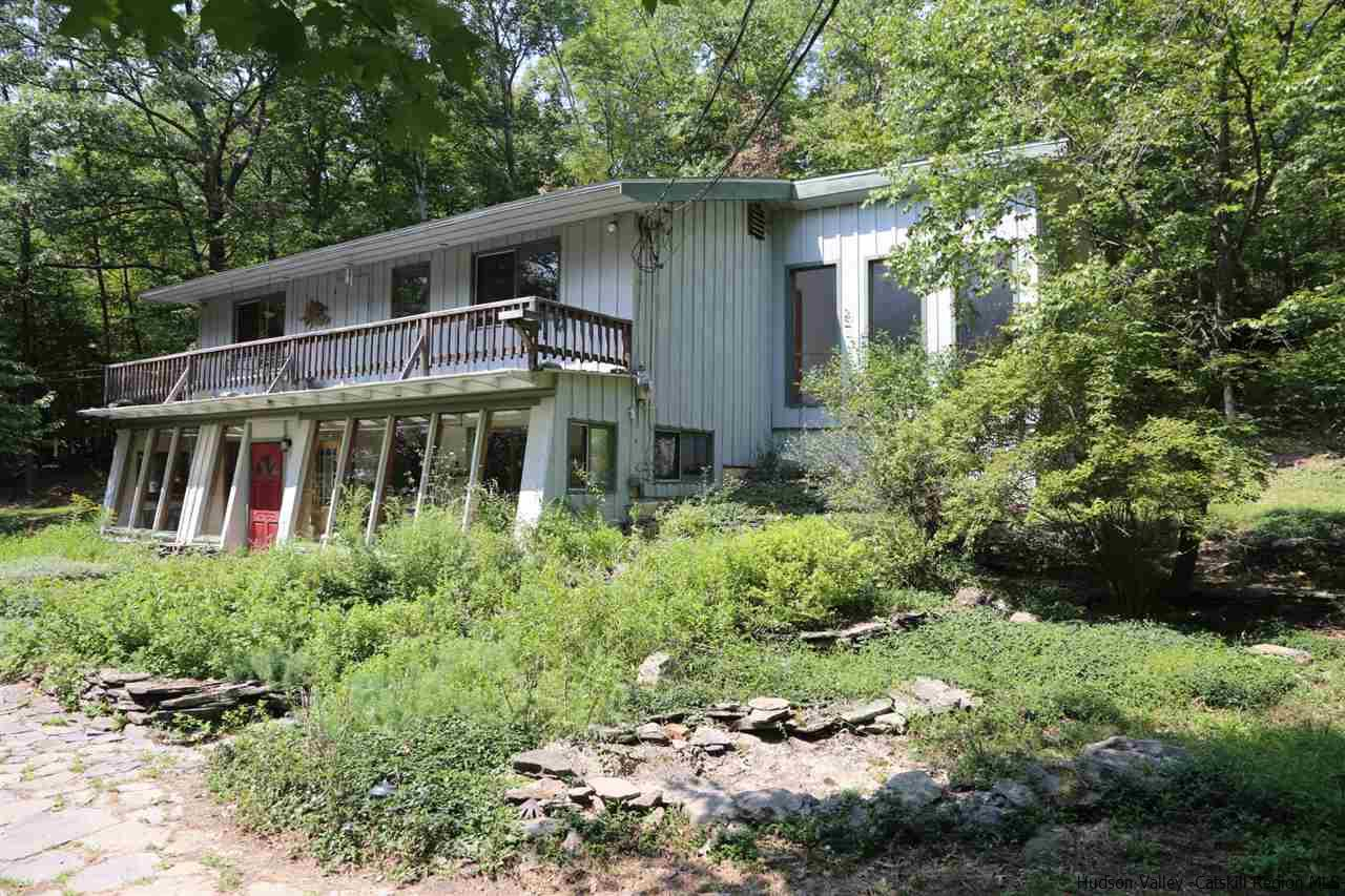 Single Family Home for Sale at 61 CALIFORNIA QUARRY Road 61 CALIFORNIA QUARRY Road Woodstock, New York 12498 United States